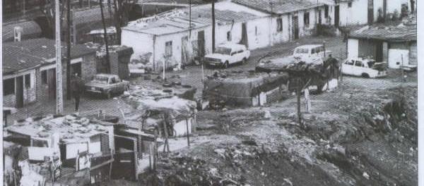 Barraques de la Perona, Ronda de Sant Martí. Del web: http://santmartidemografia.blogspot.com.es/2011/10/el-barri-de-la-perona.html