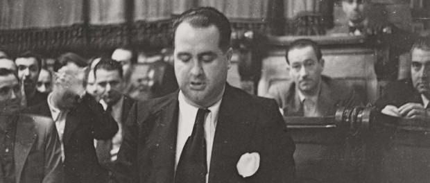 Hilari Salvadó fent un discurs després de ser escollit alcalde el juliol del 1937. Pérez de Rozas (AFB). FOTOGRÀFIC DE BARCELONA)