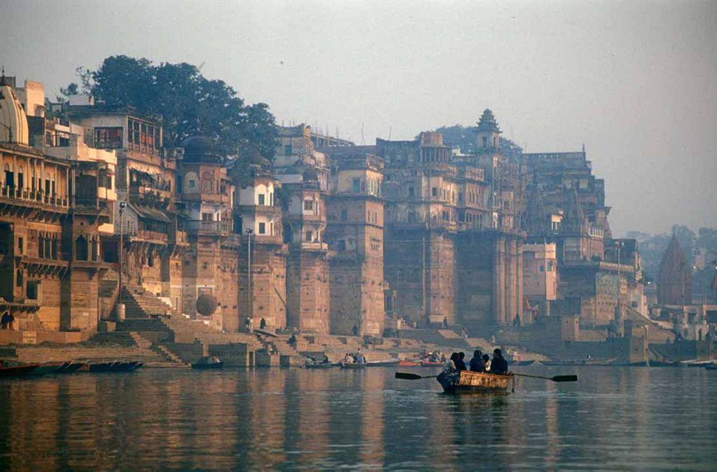 El Ganges en el seu pas per Benarés.